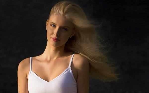 Women Blonde HD Wallpaper   Background Image