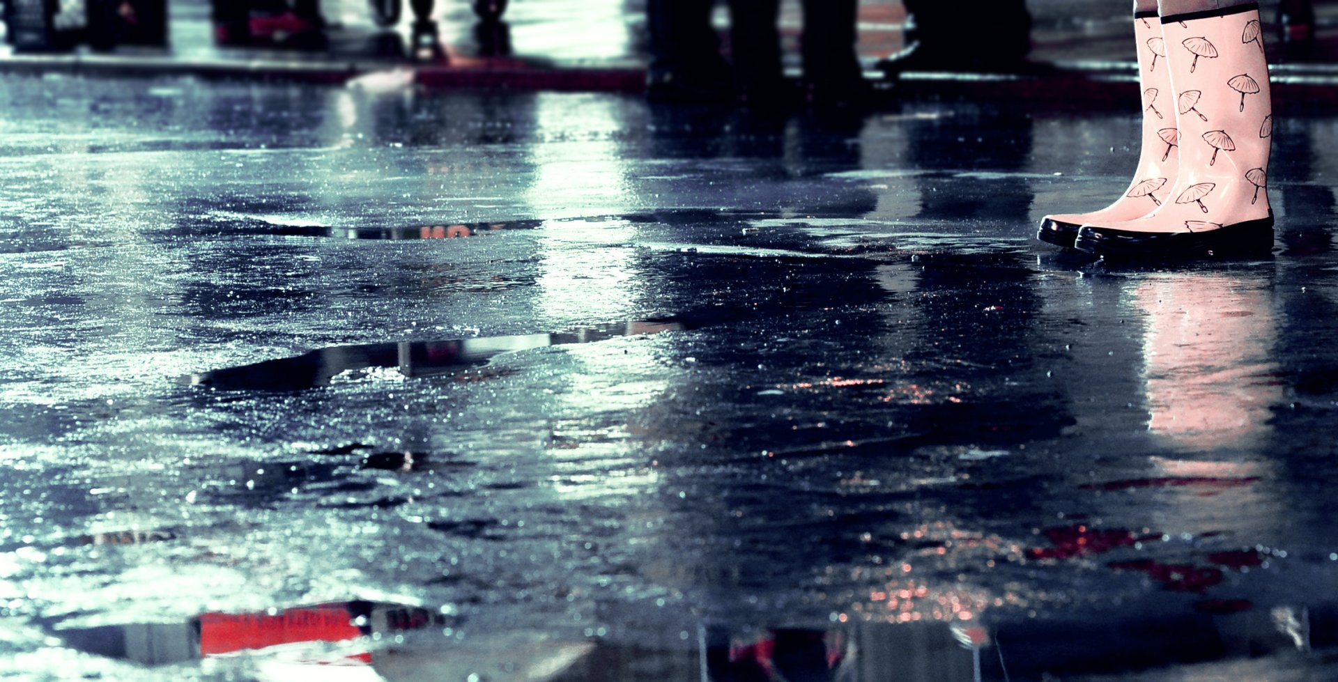 Photography - Rain  Water Mood Style Reflection People Wallpaper