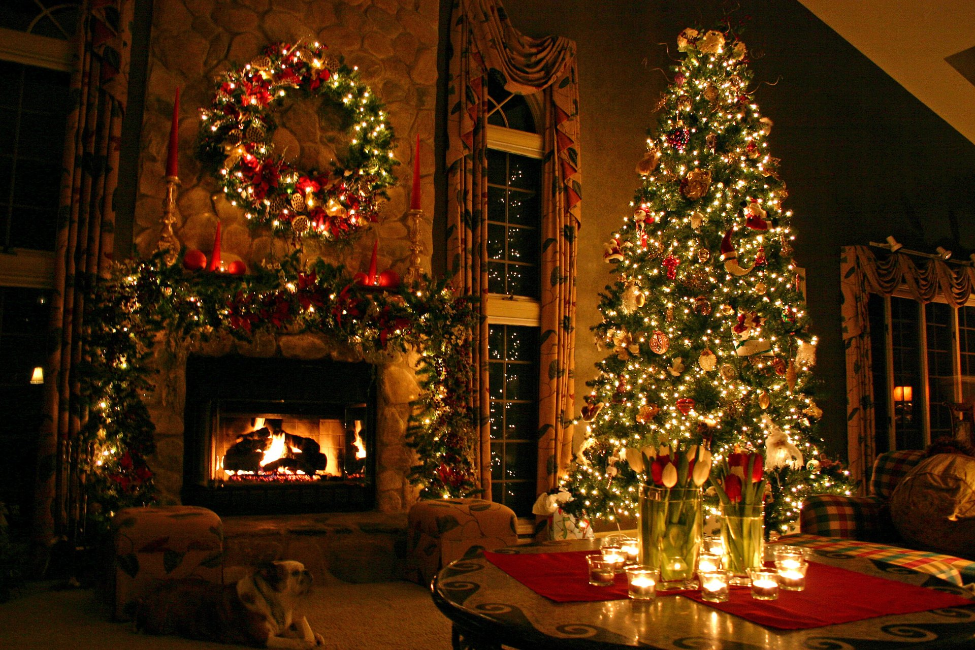 Holiday - Christmas  Christmas Lights Christmas Tree Candle Tulip Fireplace Christmas Ornaments Wallpaper