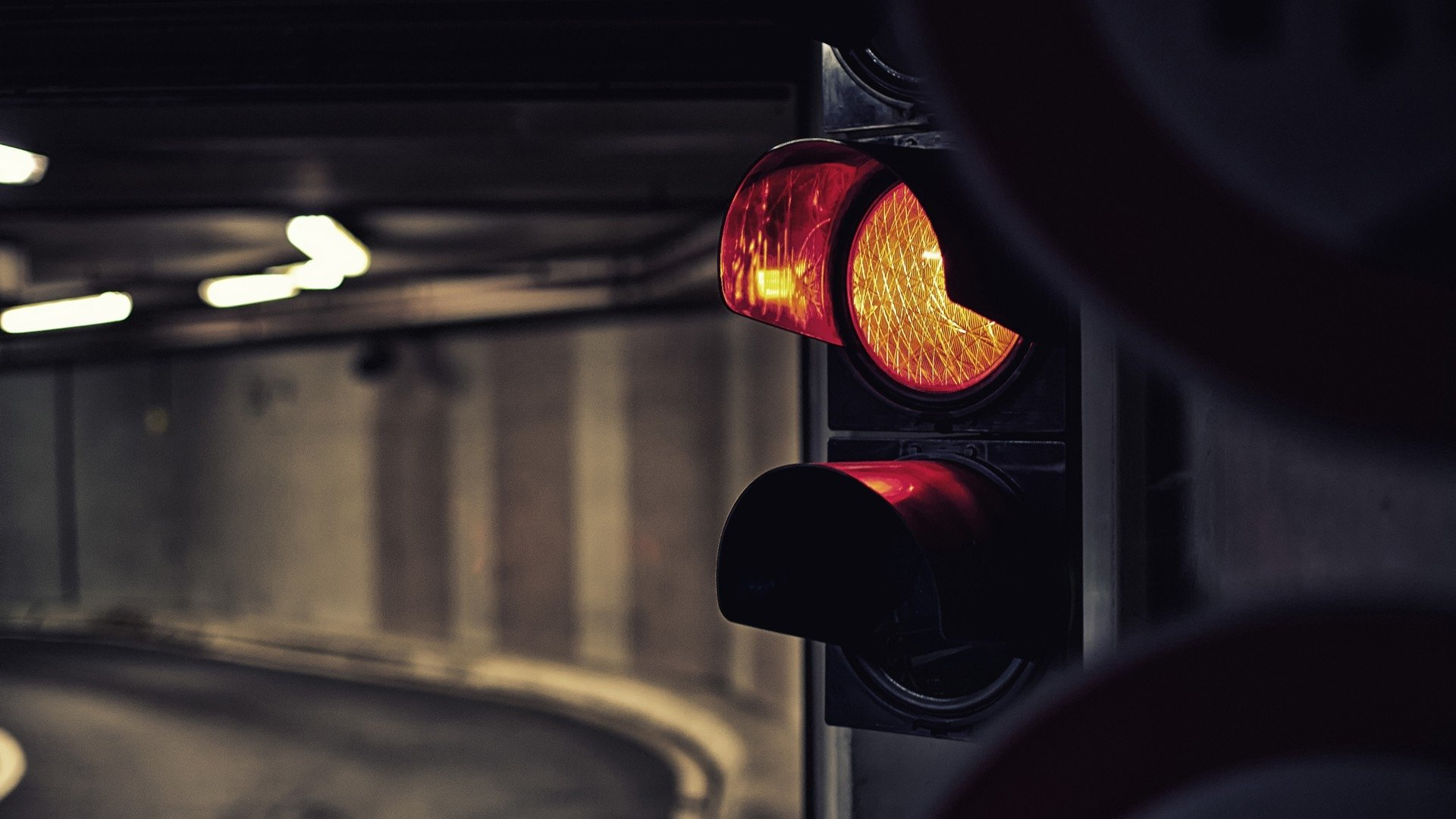 Man Made - Lamp Post  Traffic Light Light Tunnel Wallpaper