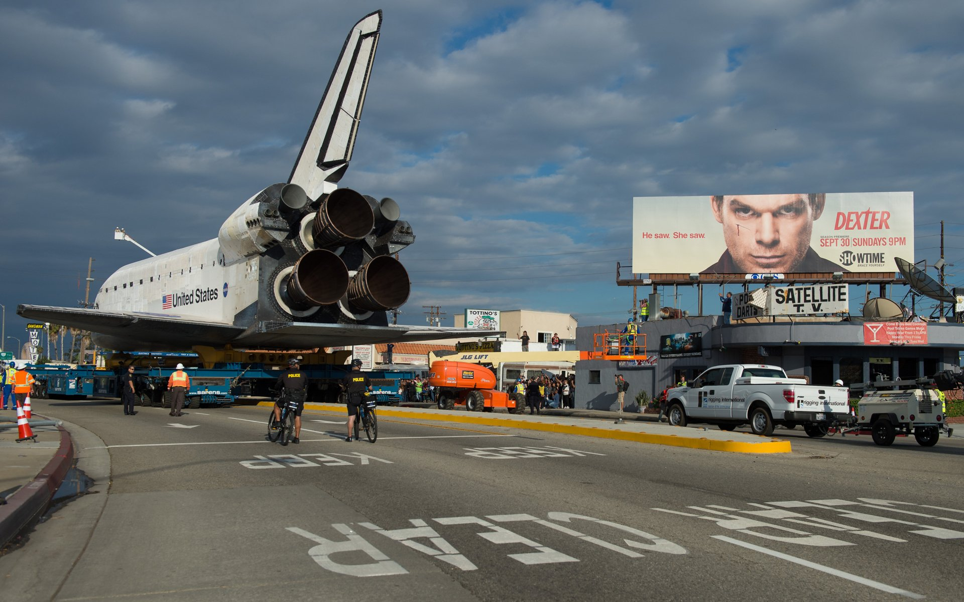 Vehicles - Space Shuttle  Shuttle Airplane NASA Wallpaper