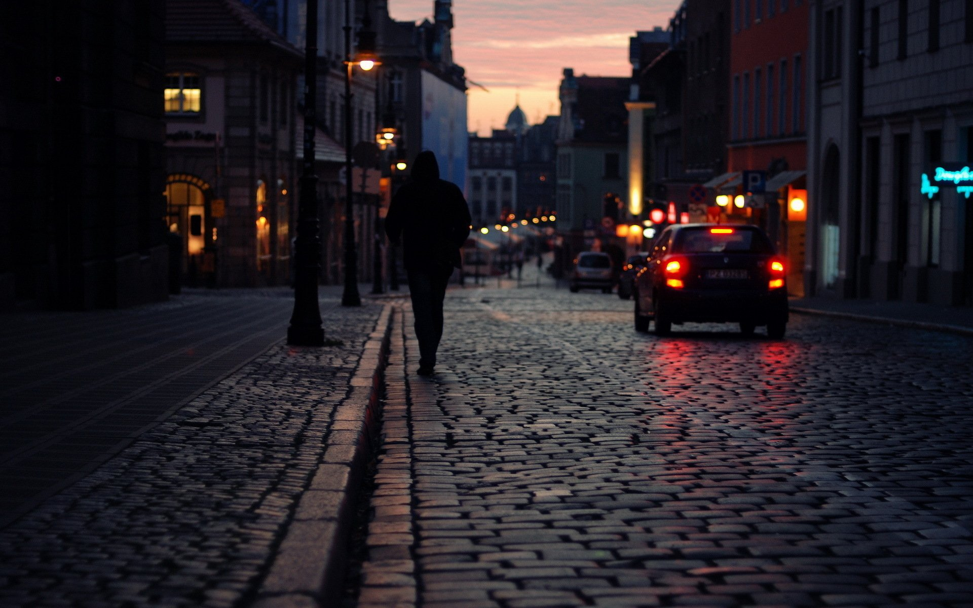 Photo Story: The Rynek at Dawn | Urban Travel Blog