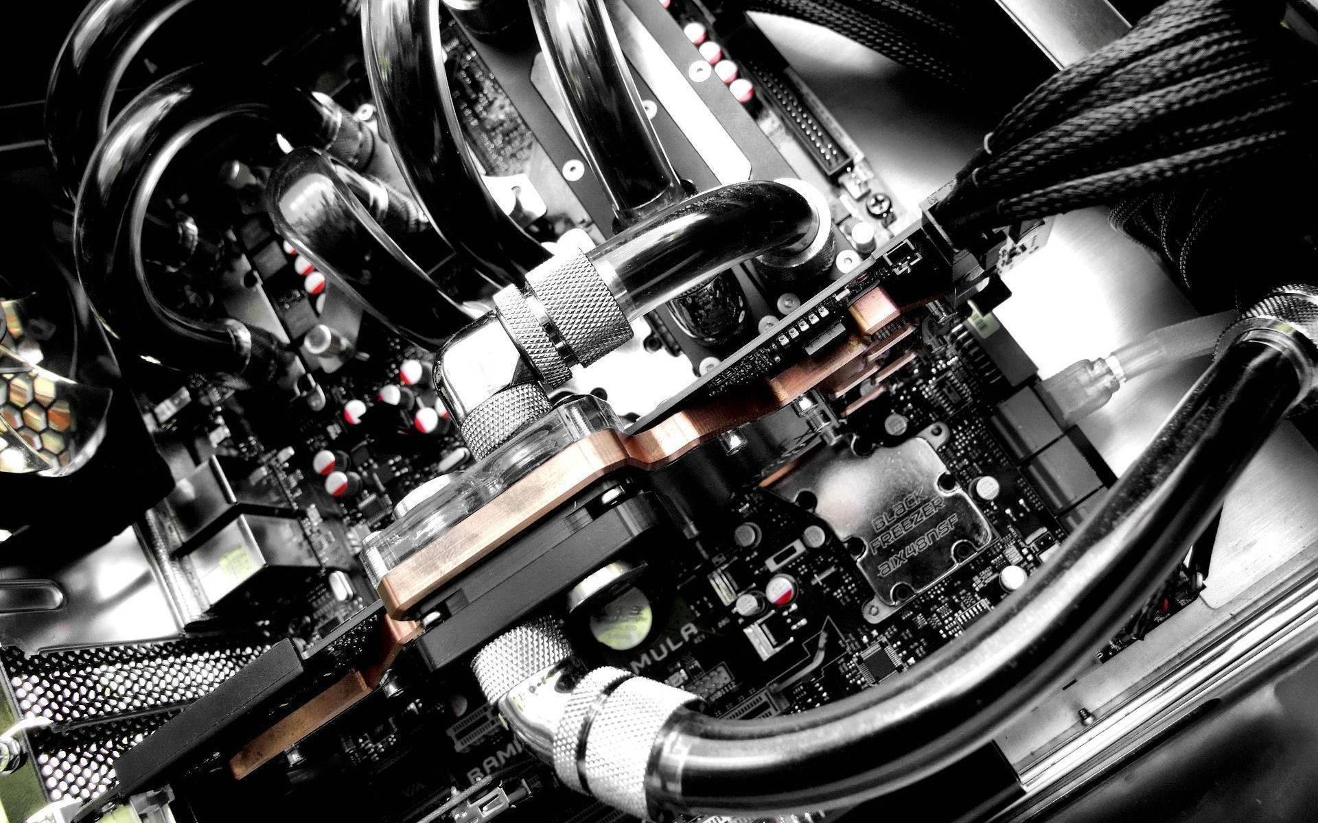 Configurazione PC da 2000€ aggiornata a Luglio 2015