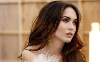 Celebrity - Megan Fox Wallpapers and Backgrounds ID : 325921