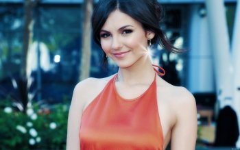 Berühmte Personen - Victoria Justice Wallpapers and Backgrounds ID : 326354