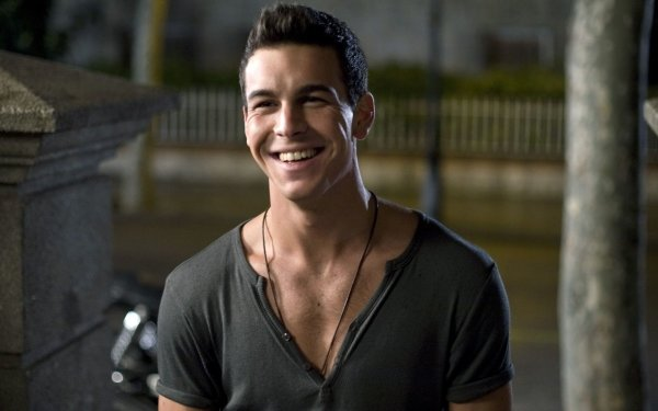 Men - mario casas Wallpapers and Backgrounds