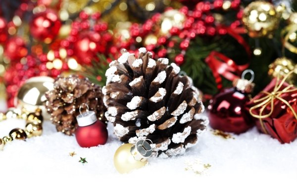 Holiday Christmas Christmas Ornaments Pine Cone HD Wallpaper   Background Image