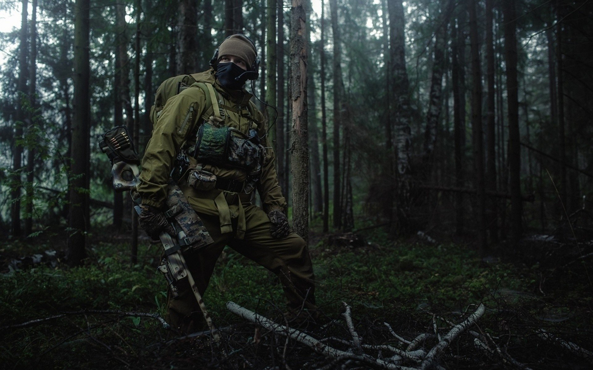 Military - Soldier  Spetsnaz Russian special force Forest Wallpaper