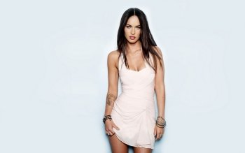 Celebrity - Megan Fox Wallpapers and Backgrounds ID : 338547