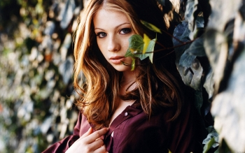 Berühmte Personen - Michelle Trachtenberg Wallpapers and Backgrounds ID : 342273