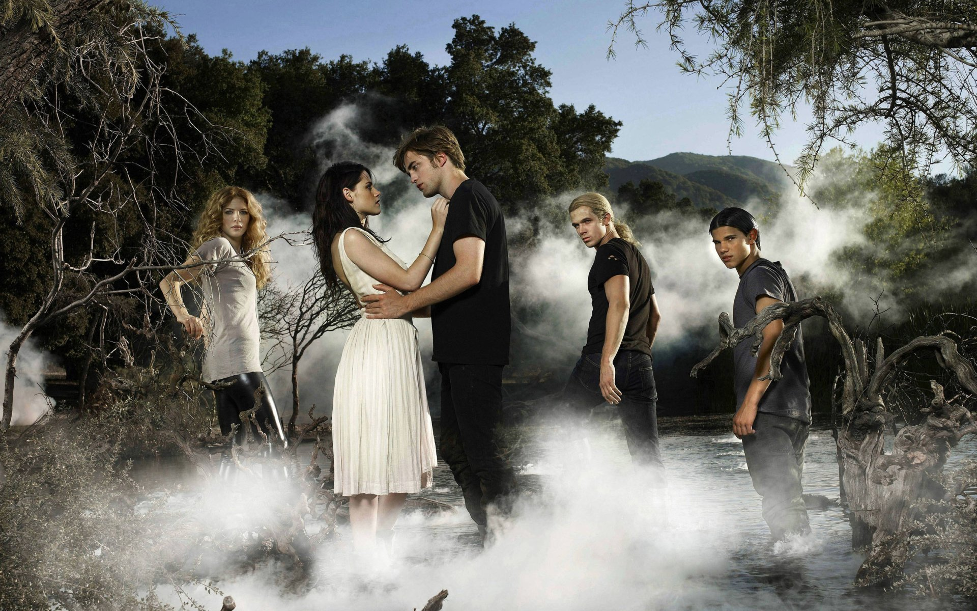 Movie - Twilight  Kristen Stewart Robert Pattinson Wallpaper