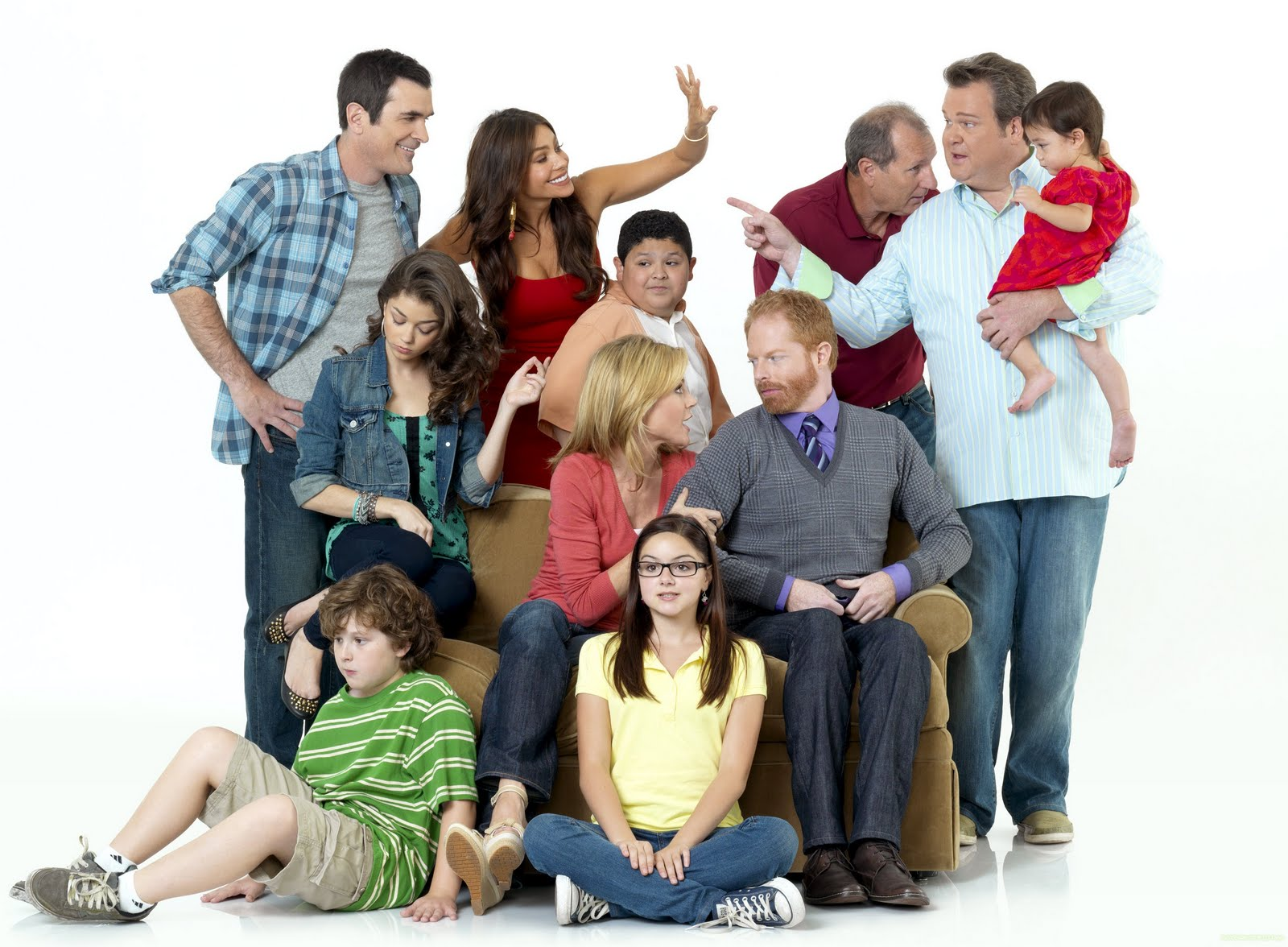 modern family wallpaper and background image 1600x1176