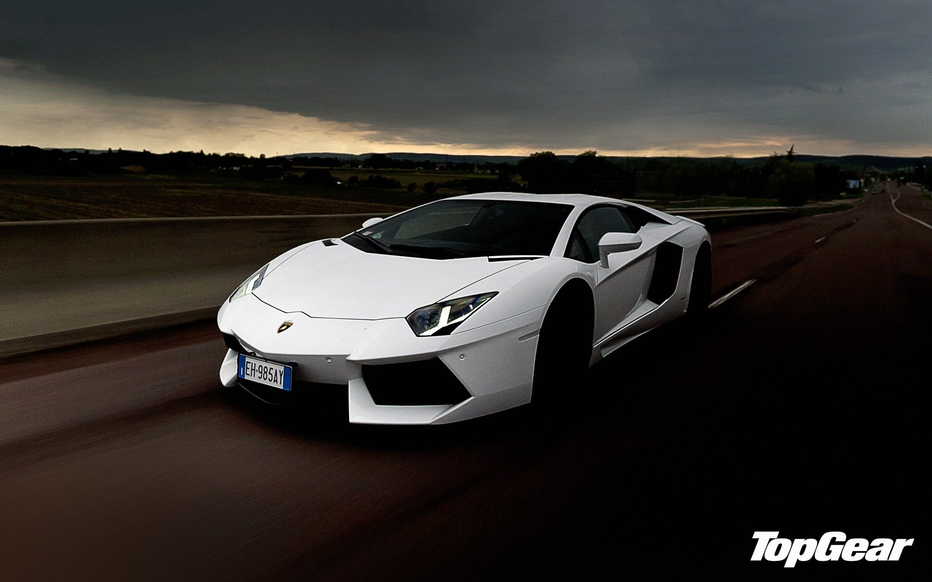 TV Show - Top Gear  Lamborghini Wallpaper