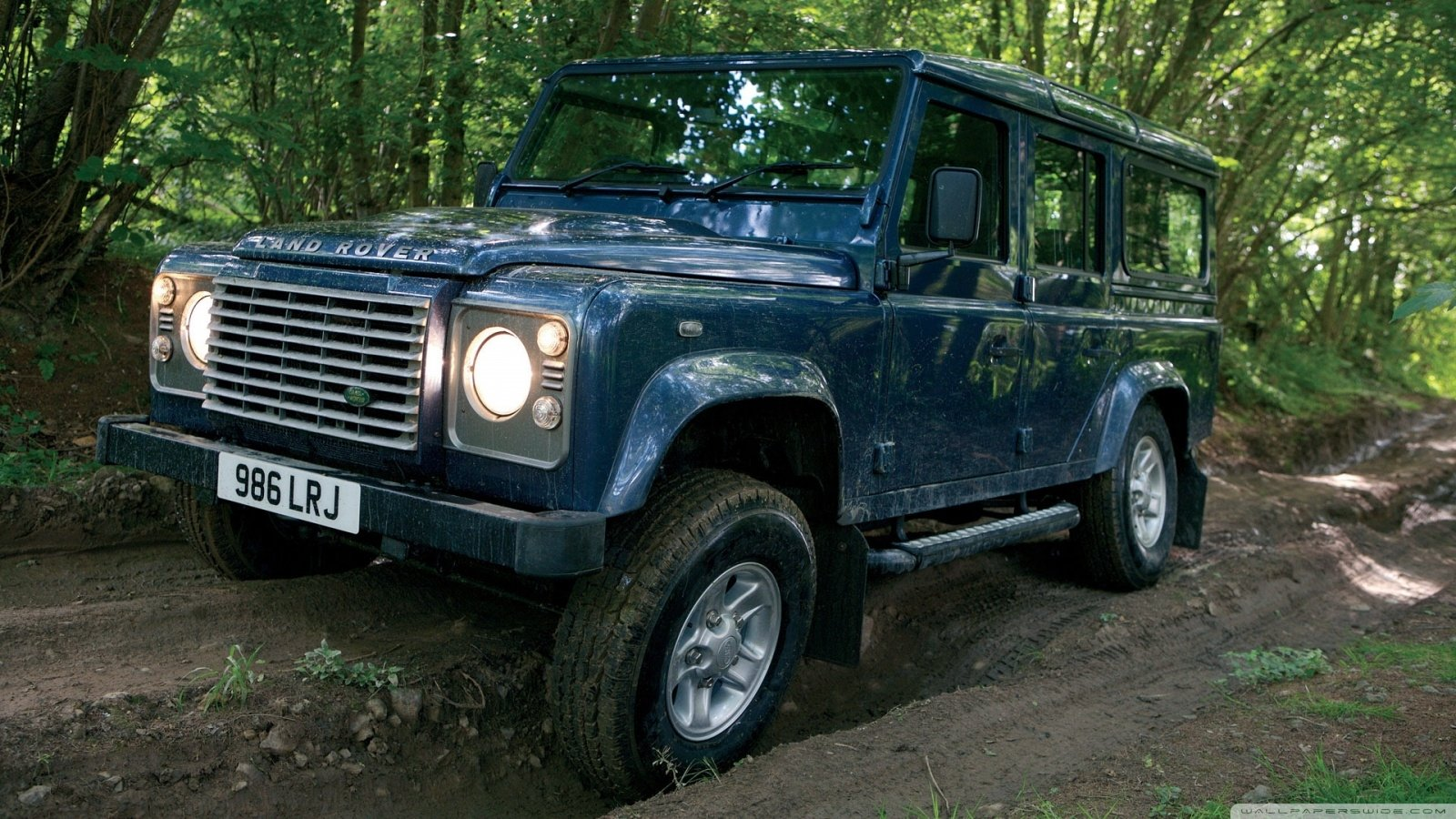 Vehicles - Land Rover Defender  Wallpaper