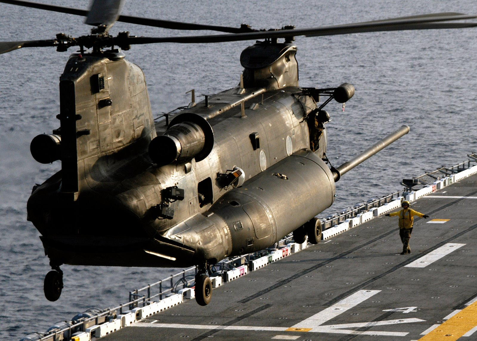 Boeing Ch 47 Chinook Wallpaper And Background Image