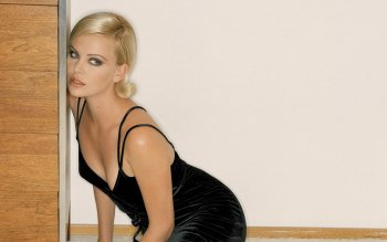 Celebrity - Charlize Theron Wallpapers and Backgrounds ID : 355124