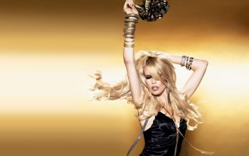 Celebrity - Claudia Schiffer Wallpapers and Backgrounds ID : 359735