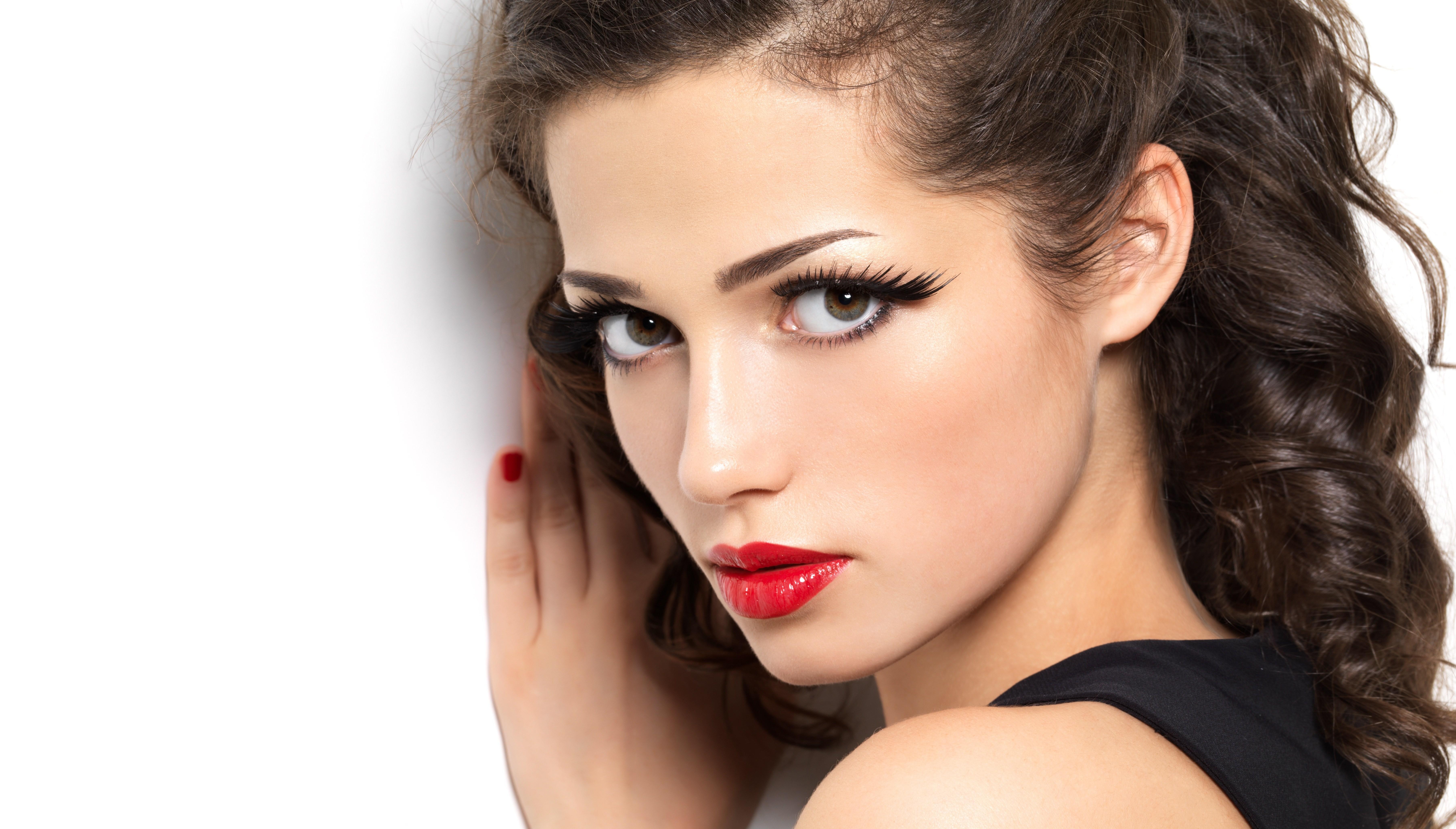 Wallpaper Face Women Model Black Background Looking: Gesicht 5k Retina Ultra HD Wallpaper And Hintergrund