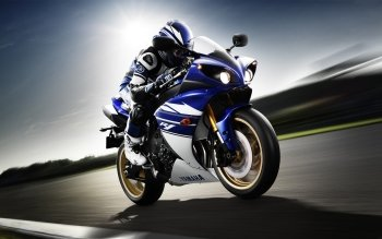 2 Yamaha Yzf R1 Hd Wallpapers Background Images Wallpaper Abyss