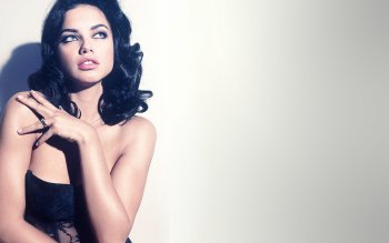 Celebrity - Adriana Lima Wallpapers and Backgrounds ID : 363015