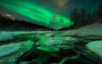 Earth - Aurora Borealis Wallpapers and Backgrounds ID : 387165