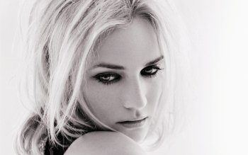 Celebrity - Diane Kruger Wallpapers and Backgrounds ID : 399055