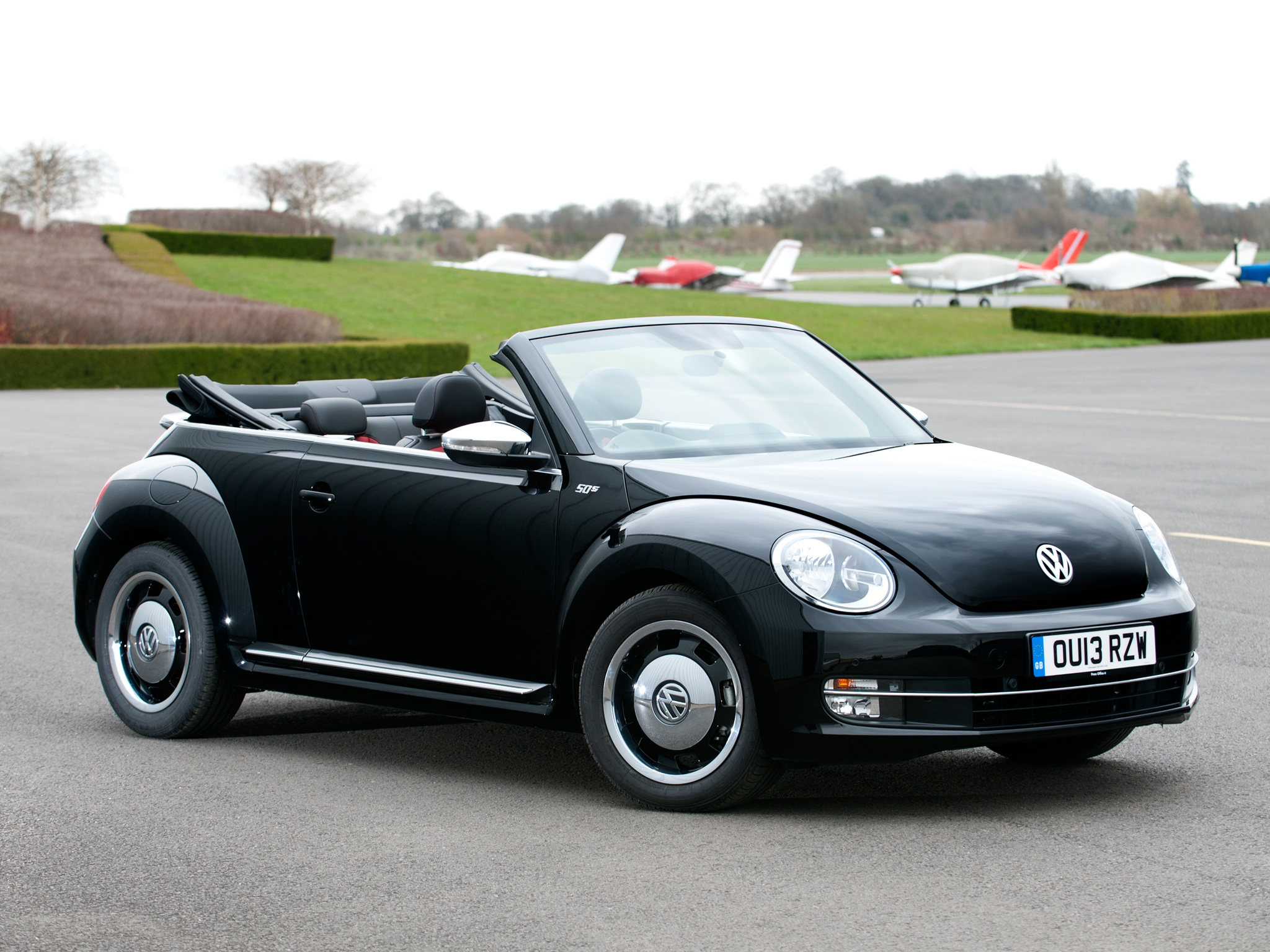 1 2013 volkswagen beetle cabrio 50s edition hd wallpapers. Black Bedroom Furniture Sets. Home Design Ideas