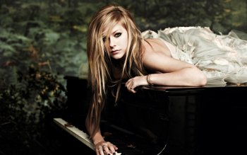 Music - Avril Lavigne Wallpapers and Backgrounds ID : 407158
