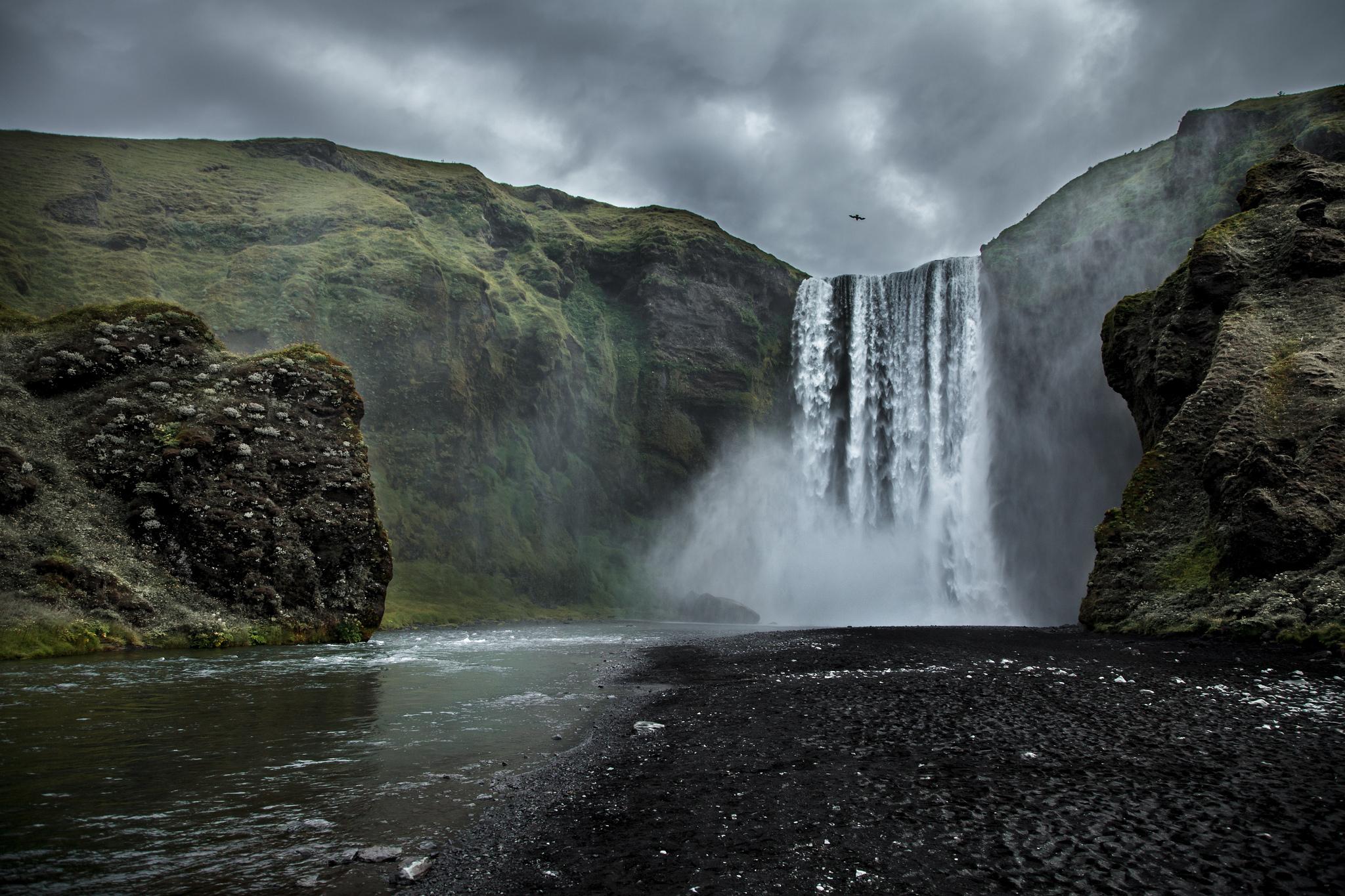 Earth - Waterfall  Wallpaper