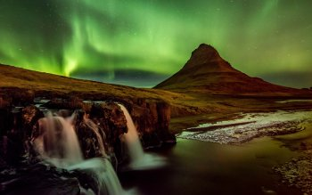 Earth - Aurora Borealis Wallpapers and Backgrounds ID : 419547