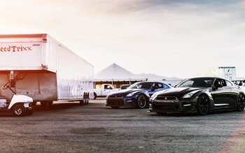 Vehicles - Nissan Wallpapers and Backgrounds