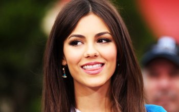 Celebrity - Victoria Justice Wallpapers and Backgrounds ID : 448131