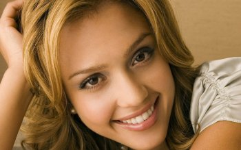 Celebrity - Jessica Alba Wallpapers and Backgrounds ID : 484431
