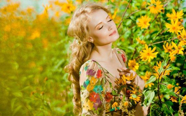 Frauen Modell Models Woman Stimmung Long Hair Blondinen Yellow Flower HD Wallpaper | Hintergrund