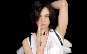Celebrity - Asia Argento Wallpapers and Backgrounds ID : 487903
