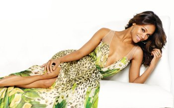 Berühmte Personen - Zoe Saldana Wallpapers and Backgrounds ID : 501319