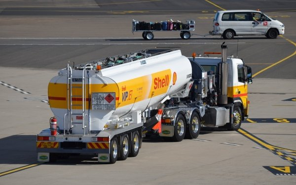 Vehicles Shell Vip Jet Tanker Tanker Refueler Airport Truck Fuel HD Wallpaper   Background Image