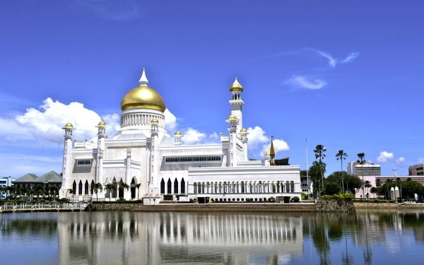 Religious Sultan Omar Ali Saifuddin Mosque Mosques Bandar Seri Begawan Brunei Mosque Building HD Wallpaper   Background Image