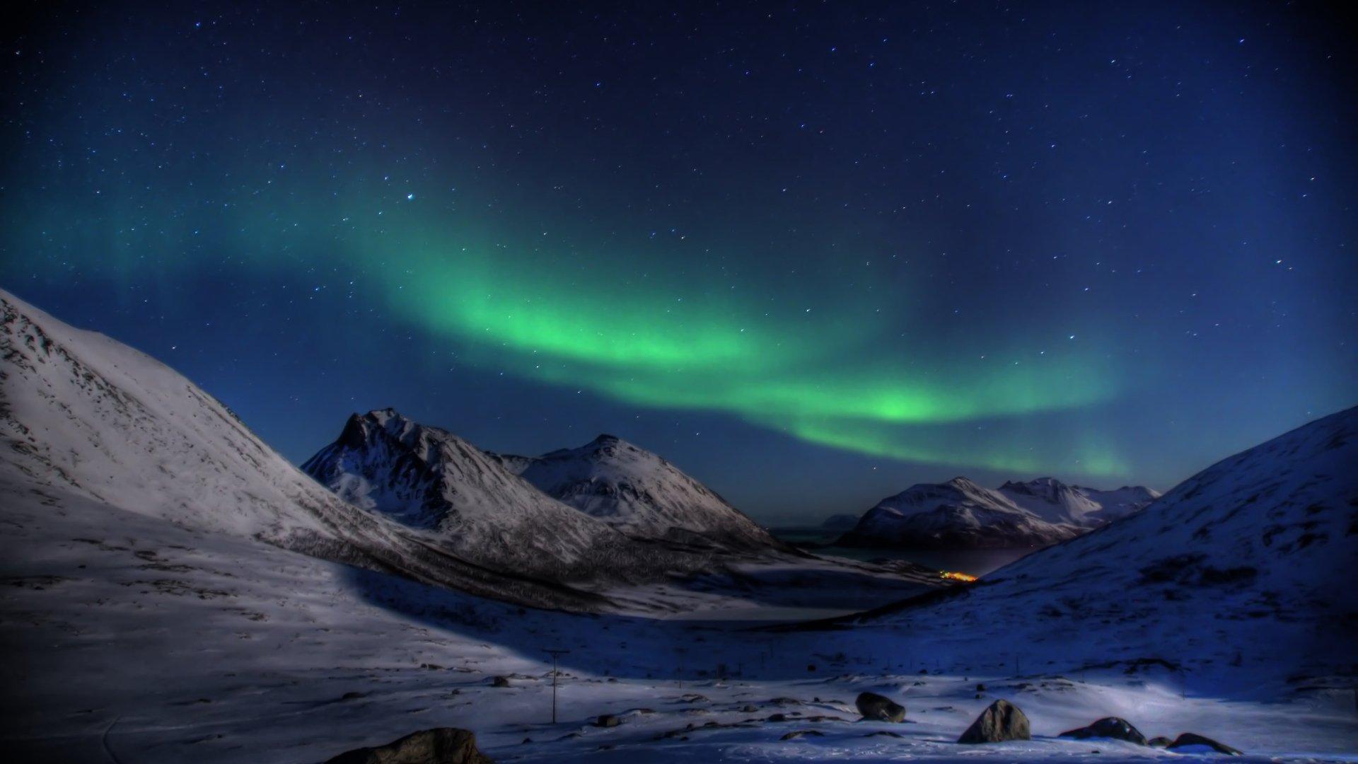 Earth - Aurora Borealis  Snow Night Wallpaper