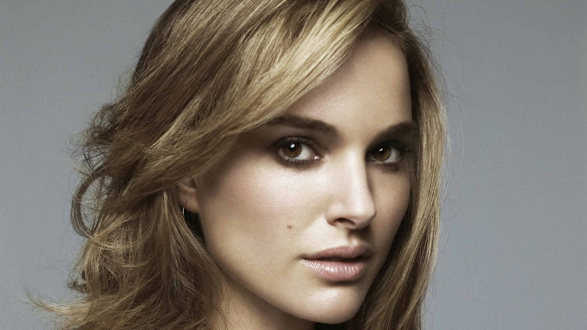 Natalie Portman Full HD Wallpaper And Background Image