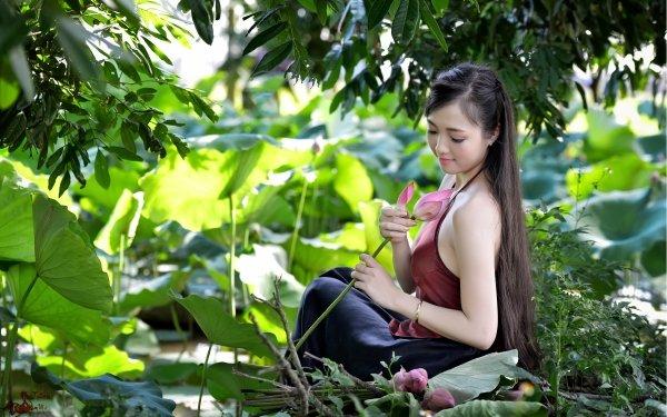Women Asian Vietnamese Lotus Pond HD Wallpaper | Background Image
