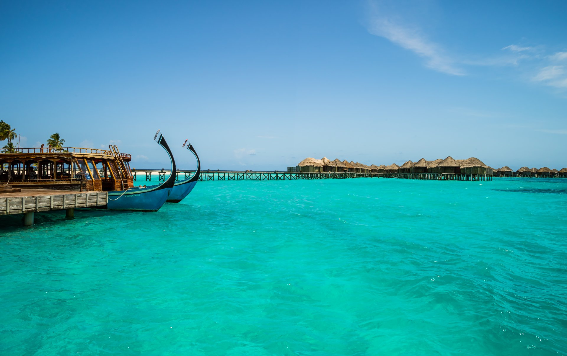 Photography - Tropical  Lagoon Seaside Sea Boat Pier Hotel Resort Tropics Maldives Constance Halaveli Resort Wallpaper