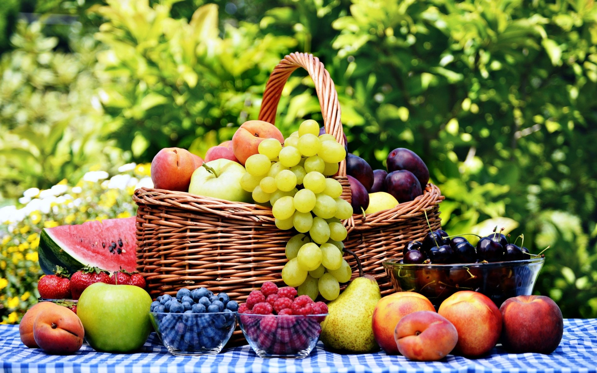 Food - Fruit  Food Strawberry Watermelon Grapes Pear Apricot Peach Apple Wallpaper