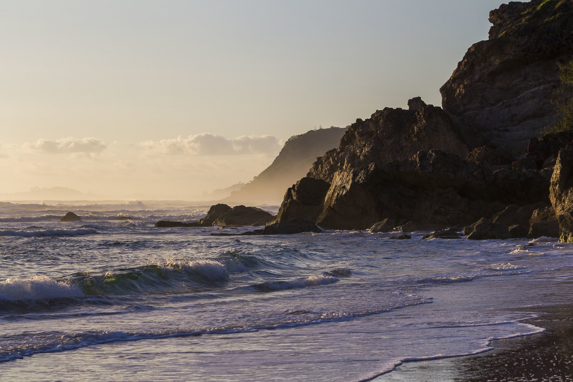 Earth - Coastline  Wave Morning Dawn Australia Queensland Gold Coast Seashore Sea Wallpaper