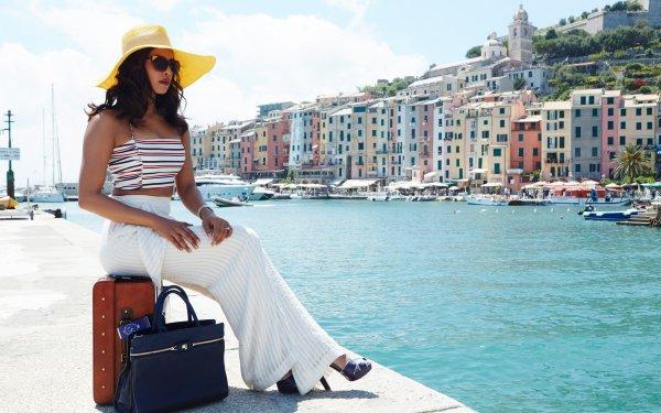 Movie Dil Dhadakne Do Priyanka Chopra Indian Actress Hat Sunglasses Bag Brunette HD Wallpaper | Background Image