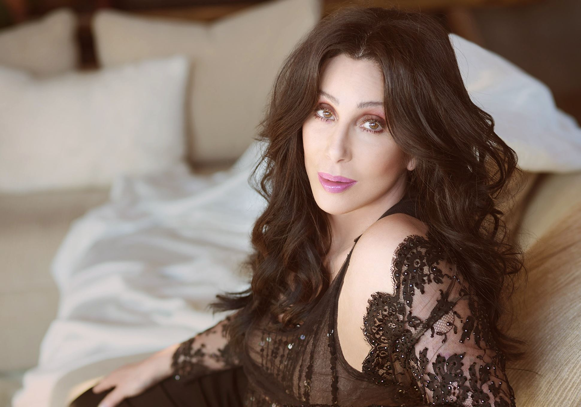 Cher Full HD Wallpaper and Background Image | 1940x1360 ...