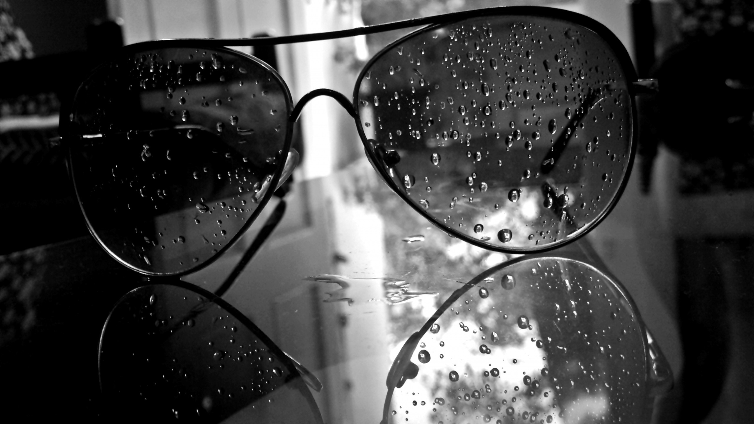 Water Drops On Glasses Hd Wallpaper Background Image 2560x1440