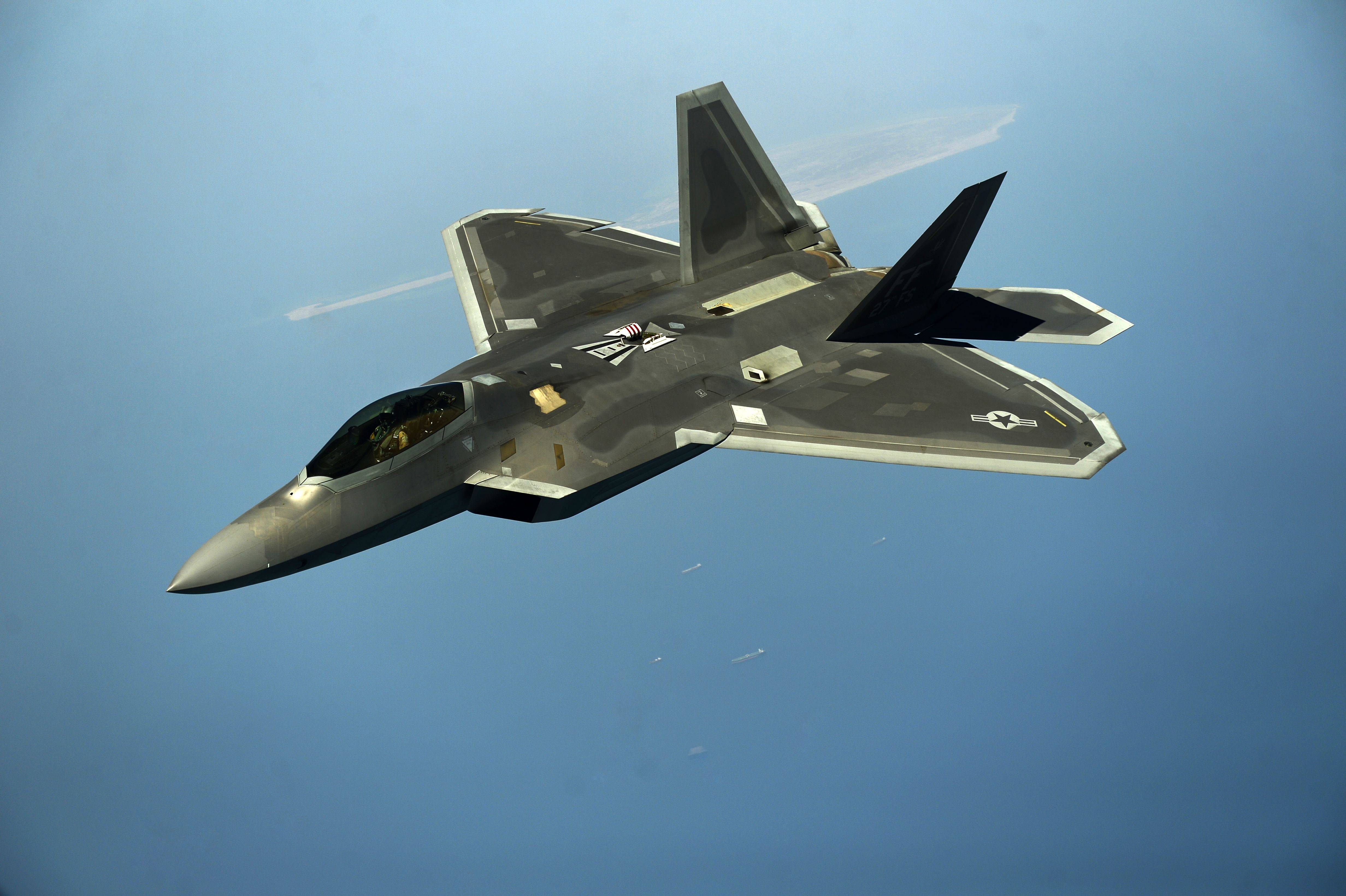 16 4k Ultra Hd Lockheed Martin F 22 Raptor Wallpapers Background