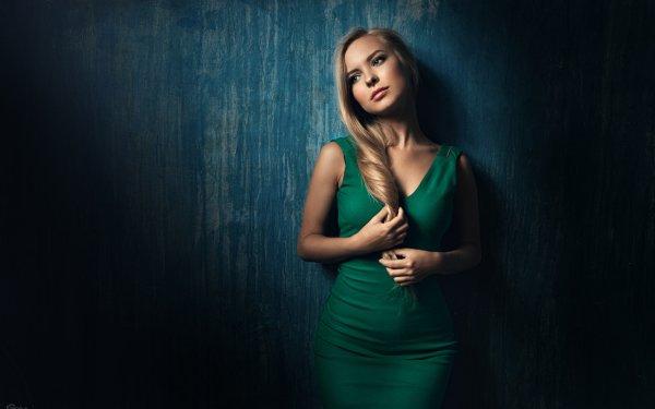 Frauen Modell Models Woman Blondinen Blue Eyes Stimmung Green Dress HD Wallpaper | Hintergrund