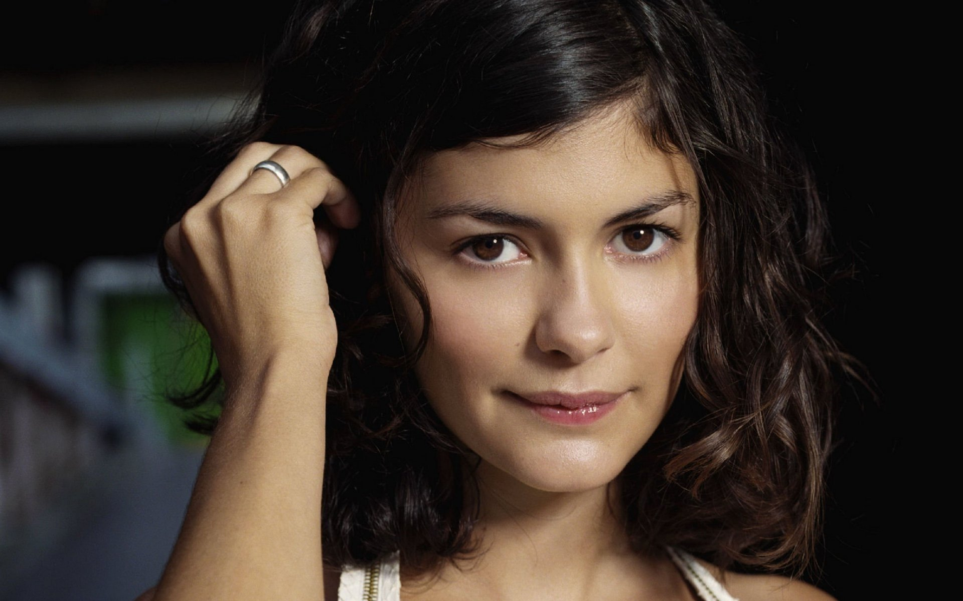 37 audrey tautou hd wallpapers | background images - wallpaper abyss